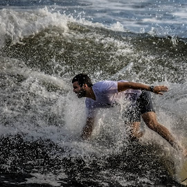 Turning by Jose Augusto Belmont - Sports & Fitness Surfing ( niterói, surfista, itapuca, surf, surfers )