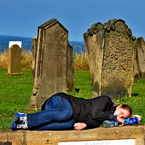 Dead  tired by Gordon Simpson - People Street & Candids