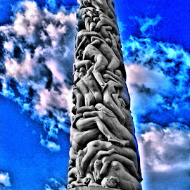Frogner park monolith by Miroslav Nikolic - Buildings & Architecture Statues & Monuments