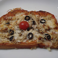 Bruschetta with Chicken and Mozzarella