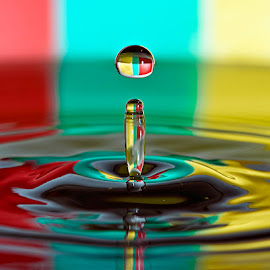 by Carlos De Sousa Ramos - Abstract Water Drops & Splashes