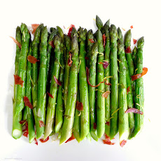 Asparagus with Crispy Prosciutto and Tarragon Aioli