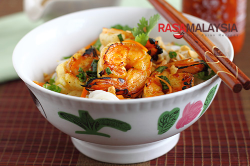 Vietnamese BBQ Shrimp Vermicelli Recipe (Bun Tom Heo Nuong) Recipe ...