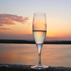 wine glass sunset horizon by Tammy Tran - Artistic Objects Glass ( wine glass sunset horizon oceanview )