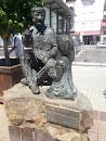 Estatua Del Abuelo