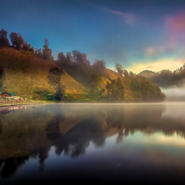 Hening by Tri Wahyono - Landscapes Waterscapes