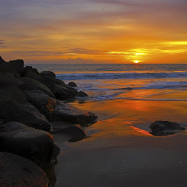 batu pamacah ombak by Irwan S - Landscapes Sunsets & Sunrises