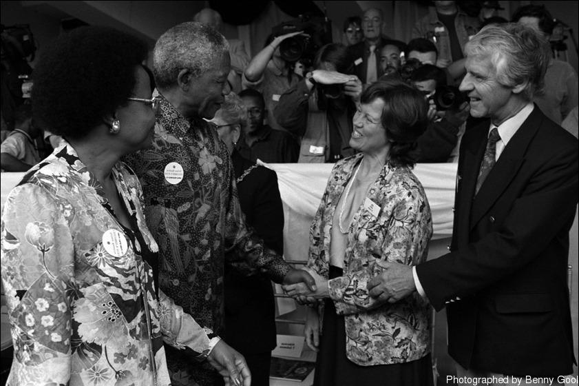 """""""曼德拉 (Mandela) 先生亲笔回复了我的信件。"""""""
