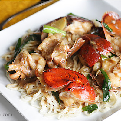 Lobster Yee Mein (Lobster Noodles)