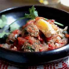 Tagine Kefta Mkawra (Tagine of Meatballs in Tomato Sauce with Eggs)