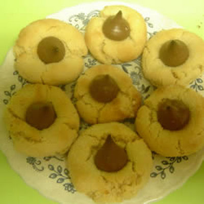 Easy Peanut Blossoms