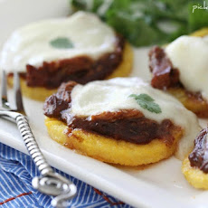 BBQ Chicken Polenta Pizza Cakes