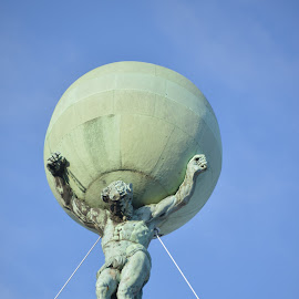 Atlas amsterdam by JOhn Gleiser - Buildings & Architecture Statues & Monuments ( statue, atlas )