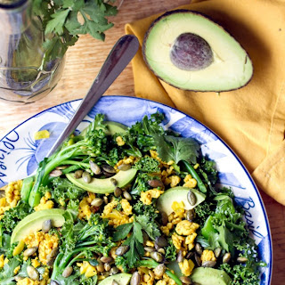 Superfoods Combo – Turmeric Chicken & Kale Salad With Honey Lime Dressing