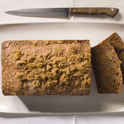 Banana Bread with Cinnamon Crumble Topping