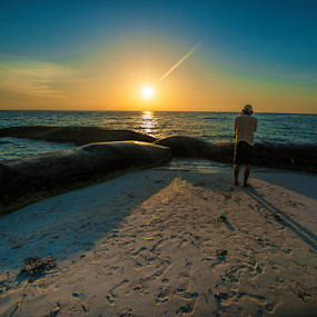 Sunset at Isla Mujeres by Cristobal Garciaferro Rubio - Landscapes Beaches ( sand, shadow, sunset, sea, sun )