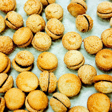 Chocolate-Filled Almond Macaroons Recipe