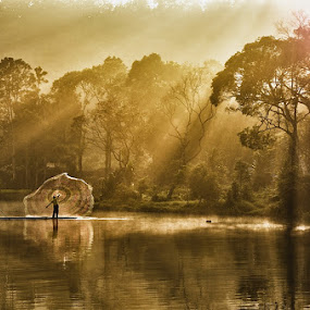 Pagi diSituGunung by Jamroh  Jamudin - Landscapes Travel