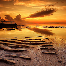 Serenity by Ina Herliana Koswara - Landscapes Beaches ( sky, sanur, sunrise, beach, boat )