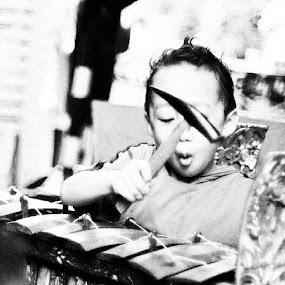 Melajah megambel by Putu Purnawan - Babies & Children Children Candids ( kid, gong )