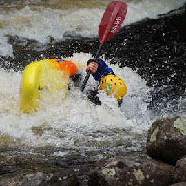 Getting a Dunking by Sue Lascelles - Novices Only Sports ( water sport, canoe, rapids, eskimo roll, white water,  )