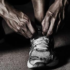 Ready... by Obaid Musabbeh - Sports & Fitness Running ( canon, shoes, mark2, sports, dodgeandburn, markii, digital, running, dodgenburn, 5d, photography, postprocessing, blackandwhite, 25-105mm, photoshop )