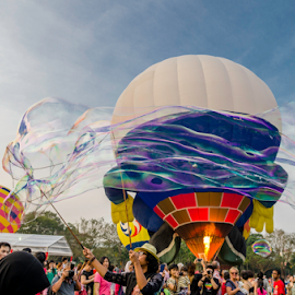 The Enjoyment of Hot Air Ballon and Cold Bubble by Steiven Poh - Novices Only Sports (  )