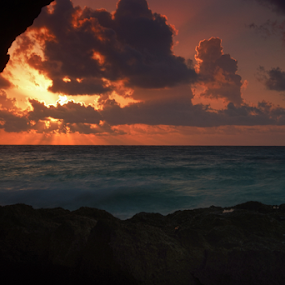 Tulum sea by Cristobal Garciaferro Rubio - Landscapes Cloud Formations ( cloouds, sunrise, tulum, sea shore )