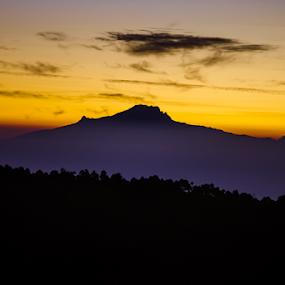 Sunrise and mountains by Cristobal Garciaferro Rubio - Landscapes Sunsets & Sunrises