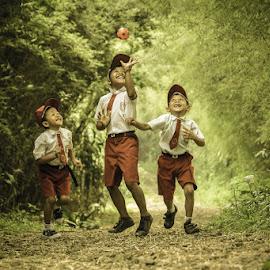 hap hap by Ediansyah Edoy - Babies & Children Children Candids