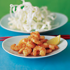 Crisp Thai noodles with prawns