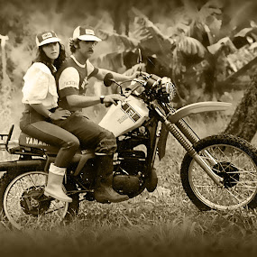 Riding on the 80's by Pablo Barilari - Transportation Motorcycles ( motorbike, motorcycle, old bike, couple motorcycle )