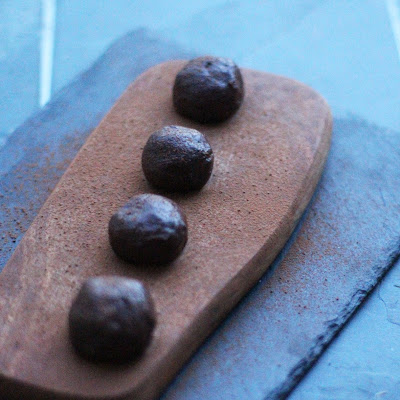 RAW CHOCOLATE ALMOND TRUFFLES