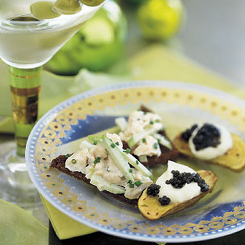 Roasted Fingerling Potatoes with Creme Fraiche and Caviar Recept ...