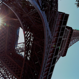 Eiffel Angle by Rob Kovacs - Novices Only Street & Candid (  )