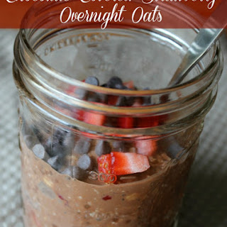 Chocolate Covered Strawberry Overnight Oats Oatmeal in a Jar