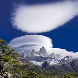 Lenticular clouds on Cerro Fitzroy by Frank Tschöpe - Landscapes Cloud Formations ( clouds, squarespace, cerro fitzroy, patagonien_kalender, skandinavien, island )