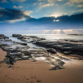 Breaking clouds. by Robin Widjaja - Instagram & Mobile Instagram ( sunset, sunrise, water, waterscape, cloud )