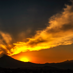 Popocatepetl, smoking volcano by Cristobal Garciaferro Rubio - Landscapes Mountains & Hills ( volcano, sunset, smoking volcano, sun, smoke )