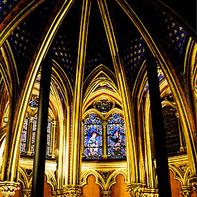 St Chapelle by Gene Myers - Buildings & Architecture Places of Worship ( shotsbygene, paris, church, vaulted ceiling, buttresses, windows, architecture, gold, stained glass, st chapelle, gene myers,  )