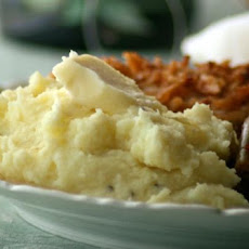 Sinfully Delish Garlic Mashed Potatoes