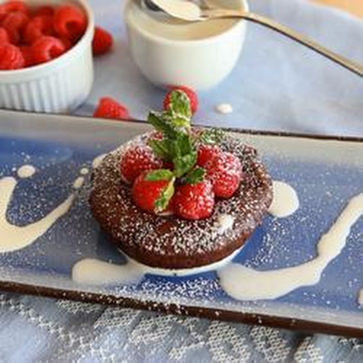lava cakes molten chocolate molten chocolate sheet cake recipe yummly ...