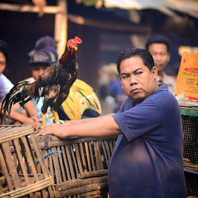 hey... look!!! by Juang Rahmadillah - City,  Street & Park  Markets & Shops ( animals, market, indonesia, street, candid )
