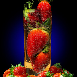 BuBbLinG, bUbBLinG S23OB3Z... II by Vernon Mata - Food & Drink Fruits & Vegetables
