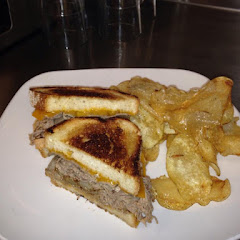 Beef & cheddar- with house made potato chips.