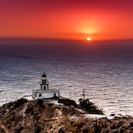 Faros lighthouse by Martin Jensen - Buildings & Architecture Other Exteriors ( fyr, hellas, 2014, sunset, greece, lighthouse, fyrtårn, sunrise, ferie, santorini, faros )