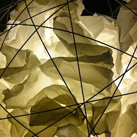 Ball & Paper Lamp by Alan Chew - Artistic Objects Furniture