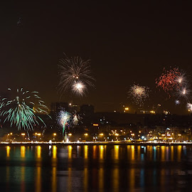 Fireworks, marine Drive - Diwali Festival by Deven Dadbhawala - News & Events World Events (  )