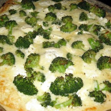 Four Cheese White Broccoli Pizza (Easy)