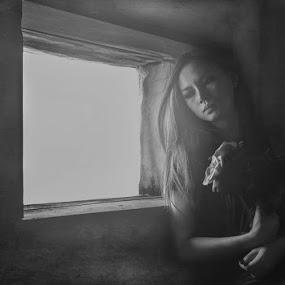 can't stop thinking of you by Yuni Herawati - Black & White Portraits & People ( woman, beautiful, mood )